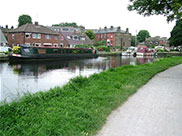 The village of Rodley by the canal
